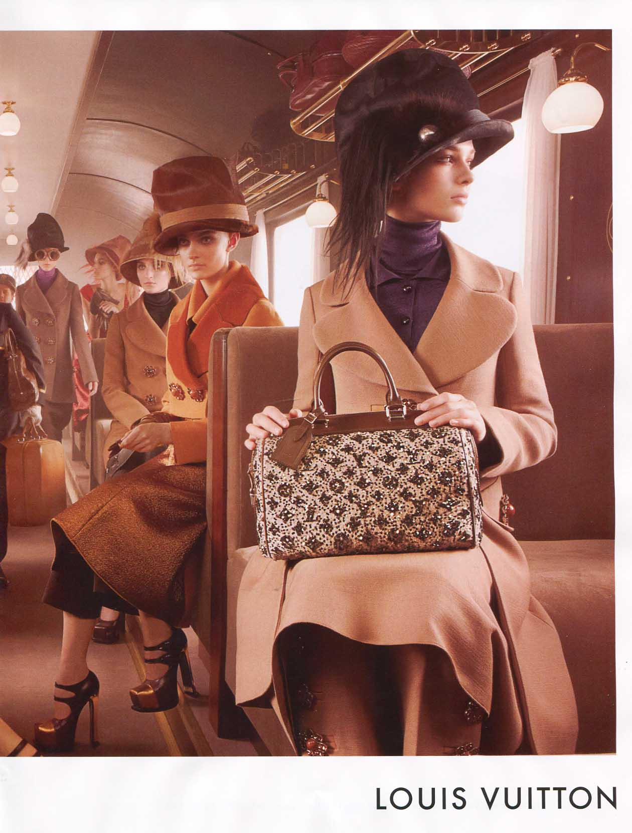 Девушки с сумками луи виттон фото